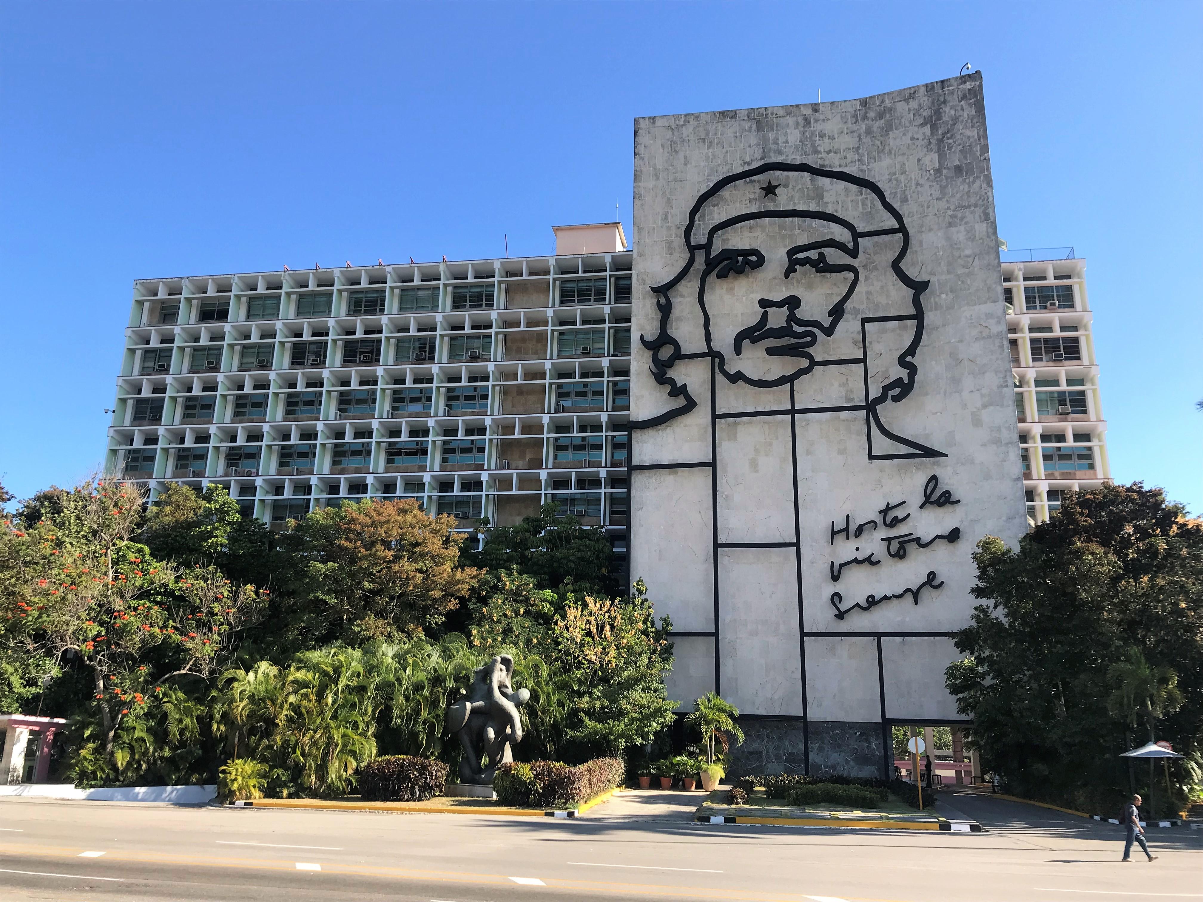 Plaza de la Revolucion_La Cadena Viajera