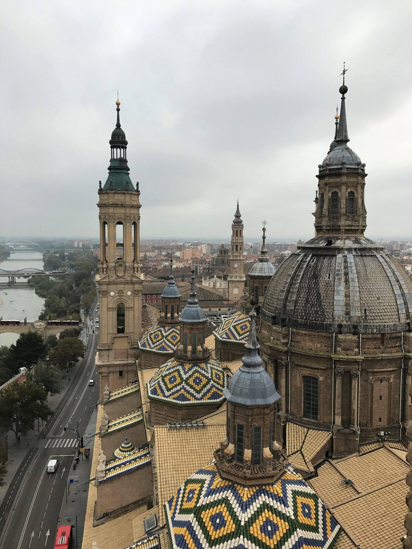 Torre de la basílica del pilar- la cadena viajera