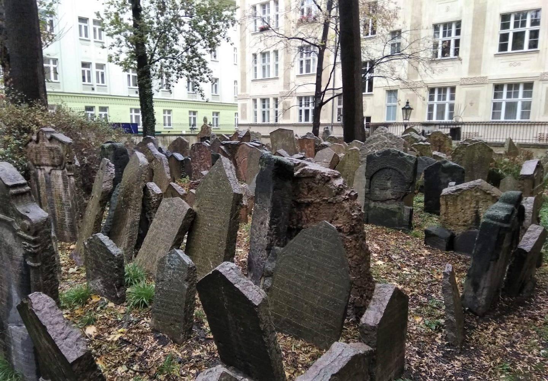 cementerio judio de praga- La cadena viajera