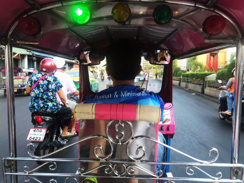 tuk tuk en bangkok - la cadena viajera